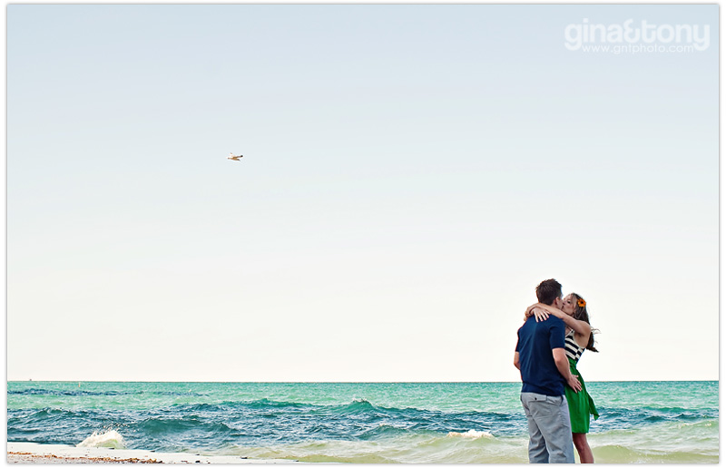 chicago wedding photographers, chicago portrait photographers, chicago engagement photographers, oak street beach engagement session