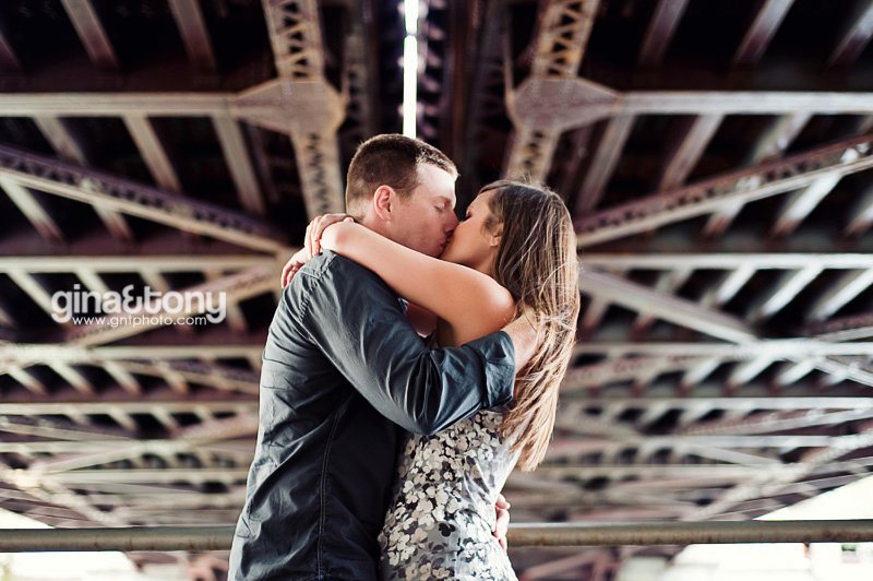 chicago engagement session, chicago riverwalk, chicago north shore, licoln park engagement session